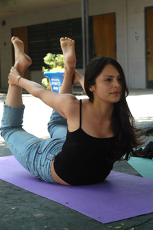 bow pose-classiblogger-image