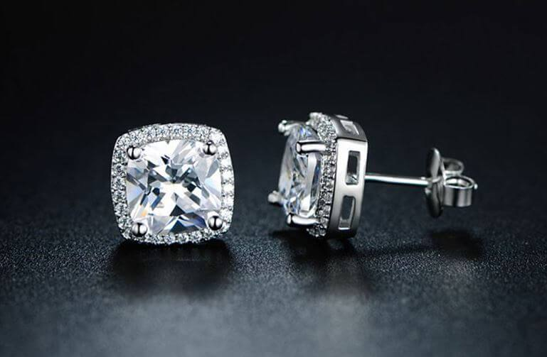 Solitaire Earrings: A Timeless Choice to Ooze Class and Luxury